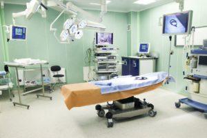 Больницы и операционные